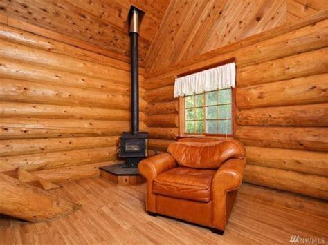 960 Sq. Ft. Log Cabin in Washington State
