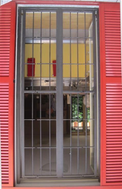 inferriate per porte grate e inferriate apribili con snodo per finestre e porte