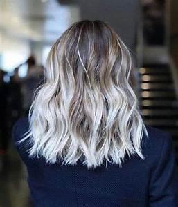 Tie And Dye Blond Cendré : capelli biondo platino meches degrad shatush balayage ~ Melissatoandfro.com Idées de Décoration