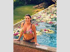 Kelly Brook bikini picture targeted by cruel bodyshaming