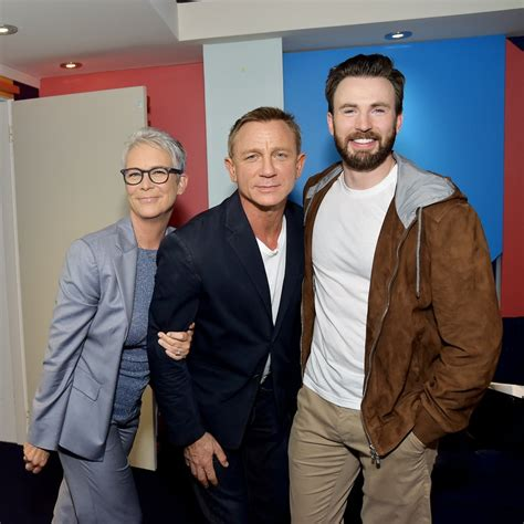 Jamie Lee Curtis's Theory About That Chris Evans Photo May ...
