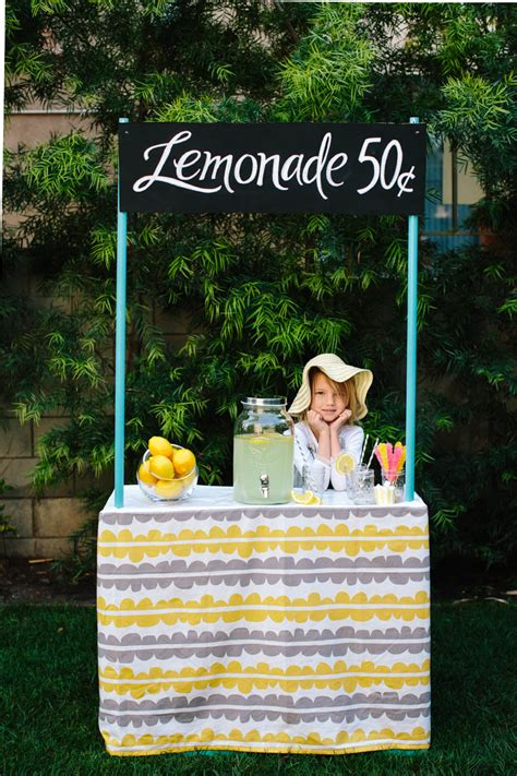 diy collapsible cardboard lemonade stand pretty prudent