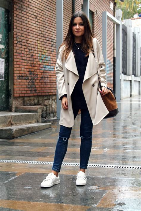 Picture Of fall rainy day outfit idea