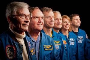 Historic Photos: NASA's 1st & Last Space Shuttle Crews ...
