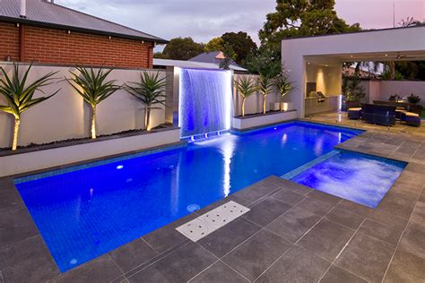 best swimming pool features swimming pools water features with the wow factor freedom pools
