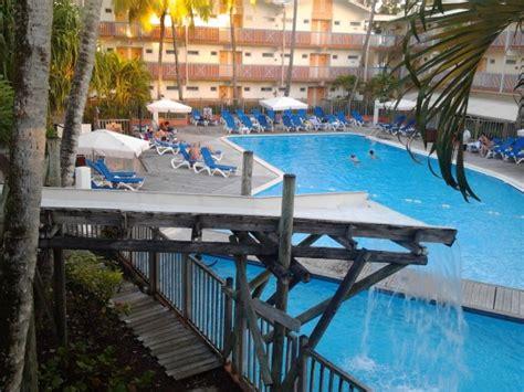 location bureau martinique hôtel 78 carayou trois îlets martinique bord de mer