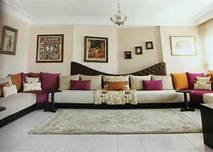 Decoration Salon Contemporain : le salon marocain contemporain confortable ~ Teatrodelosmanantiales.com Idées de Décoration