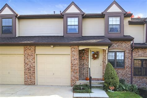 2 Bed, 2 Bath Townhouse With Garage And Basement 136