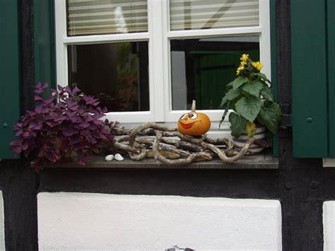 Fensterbank Deko Herbst Aussen by Herbstliche Fensterbank Herten Myheimat De
