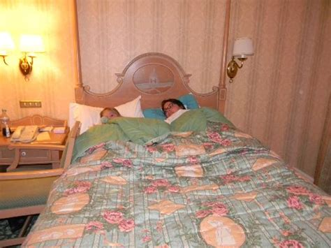 chambre familiale disneyland hotel chambre standar photo de disneyland hotel chessy
