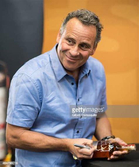 ethan wayne actor john bottles signs son