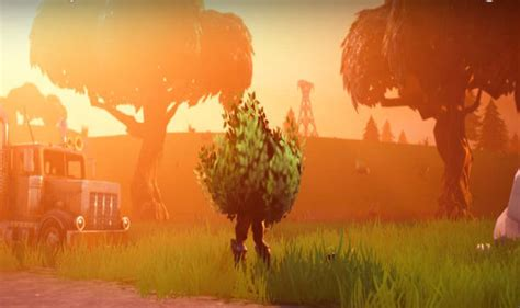 Fortnite update 1.28 PS4 and Xbox One Battle Royale patch sets stealthy Bush item LIVE | Gaming ...
