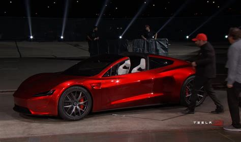 2020 Tesla Roadster To Have 620 Miles Range, It Can Hit 60