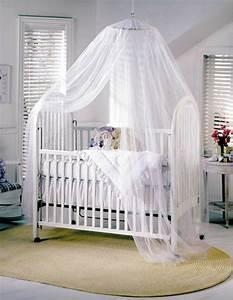 Ciel De Lit Bébé : le ciel de lit b b prot ge le b b en d corant sa chambre ~ Teatrodelosmanantiales.com Idées de Décoration