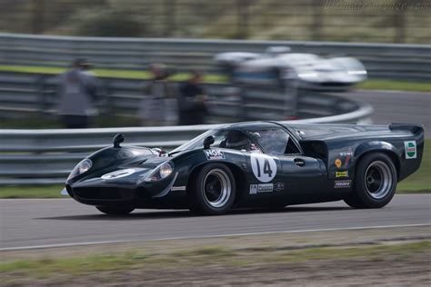 Lola T70 Mk3 Coupe Chevrolet - Chassis: SL73/113 - Driver ...