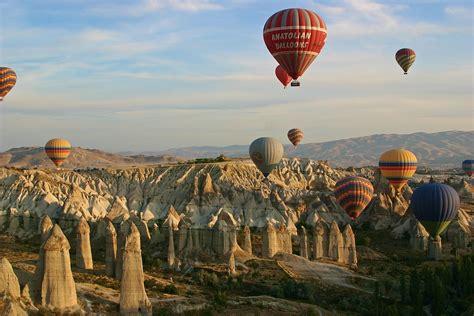 Hot Air Balloon Ride İn Cappadocia Turkey Cultural Tour
