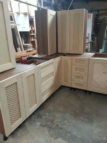 puertas de madera  cocinas rusticas milanuncios