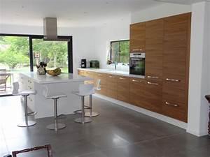 agencement interieur meuble sur mesure pres de biarritz With cuisine blanche et noyer