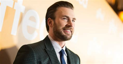WATCH: Chris Evans Has Heart-warming Reunion With Dog ...