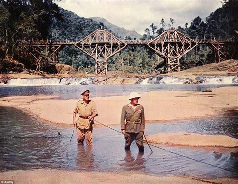 sri lanka  rebuild bridge   river kwai daily mail