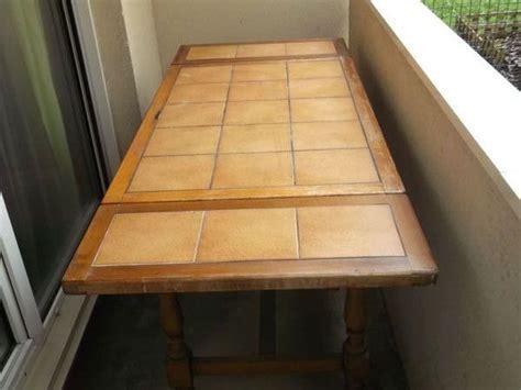 table cuisine carrel馥 table cuisine bois massif clasf