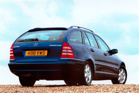 Get insurance rates and info on discounts. Mercedes-Benz C-Class Estate (2000 - 2007) Features ...