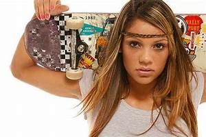 Top 5 Hottest Skater Girls - Goskate.com I Skateboard Lessons