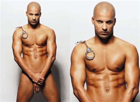the 100 ricky whittle pelado batendo punheta cai na web naked famous