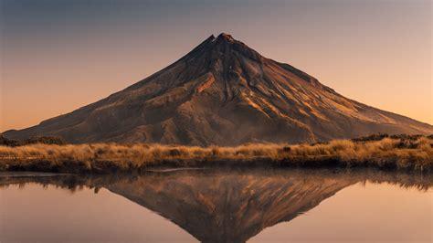 Download Wallpaper 3840x2160 Volcano Peak Reflection 4k