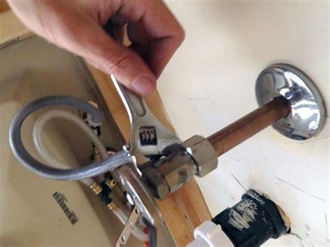 sink faucet   remove faucet aerator  manual