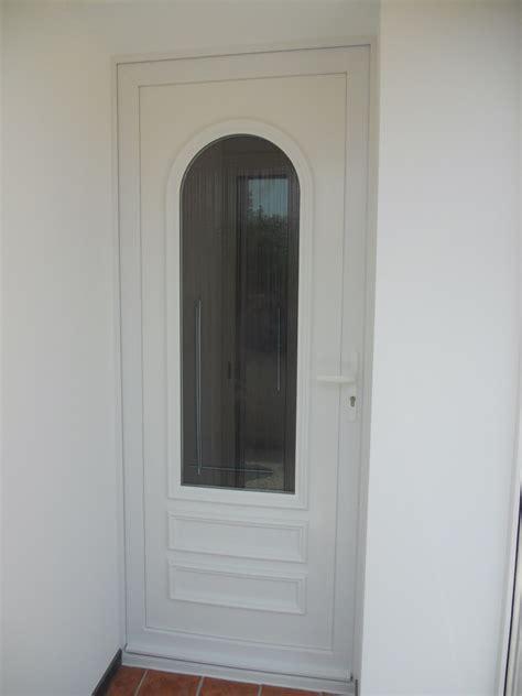 porte entree pvc renovation pose d une porte d entr 233 e pvc en r 233 novation 224 hy 232 res portes usimix