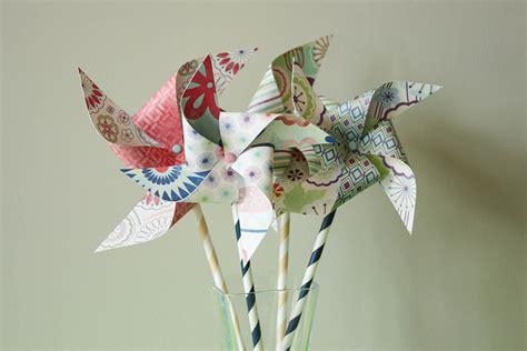 DIY : How To Make Paper Pinwheels {35 Diys}