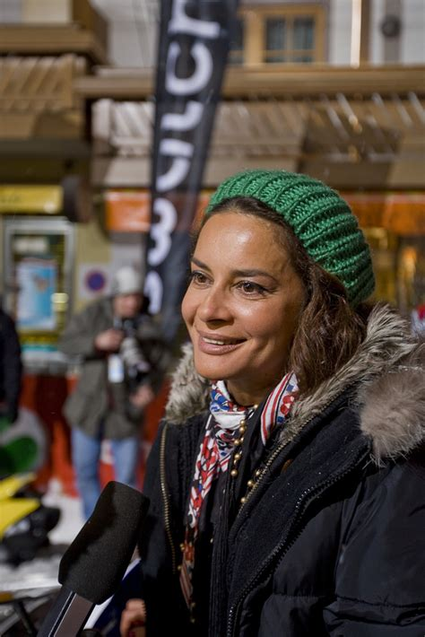 Gloria elizabeth reuben (born june 9, 1964) is a canadian producer, singer and actress of film and television, known for her role as jeanie boulet on the medical drama er and marina peralta on falling skies. Gitta Saxx Foto & Bild | erwachsene, prominente des ...