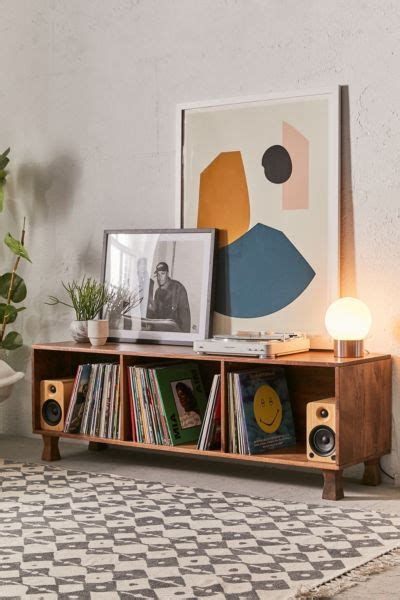 ema  credenza urban outfitters