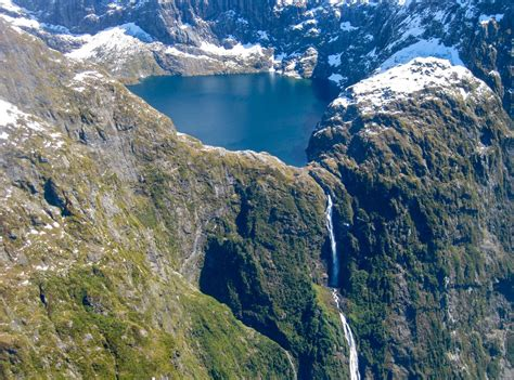 Top Tallest Waterfalls The World Hubpages