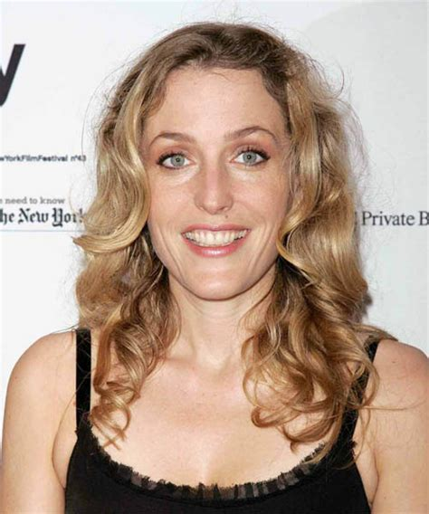Gillian Anderson Long Wavy Casual Hairstyle