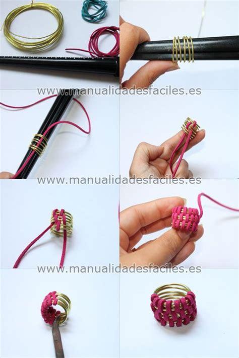 Como hacer un anillo con alambre y cordón plano Anillos