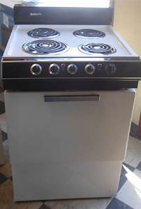 Appliance city caloric 24 inch electric range 3 small for Apartment range electric