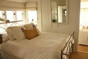 Schränke Für Kleine Schlafzimmer : 7 hinweise wie das kleine schlafzimmer gr er aussehen kann ~ Bigdaddyawards.com Haus und Dekorationen