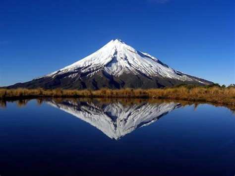 Lord Of The Rings Hd Wallpaper Mount Taranaki New Zealand Beautiful Places To Visit
