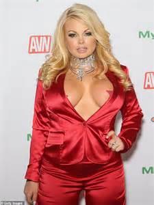 Porn Star Arrested The Sidewalk After Being Found