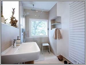 Kleines Badezimmer Einrichten : kleines bad einrichten waschmaschine badezimmer house ~ Michelbontemps.com Haus und Dekorationen