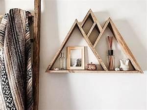 Etagere Murale Triangle : deco etagere en bois ~ Teatrodelosmanantiales.com Idées de Décoration