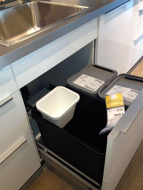ikea cuisine poubelle poubelles de tri dans cuisine ikea 15 messages