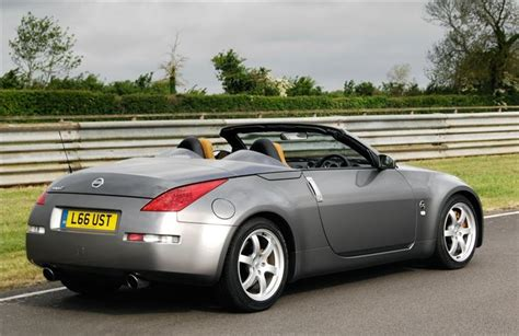 2010 Nissan 370z Roadster Shrugs Off The