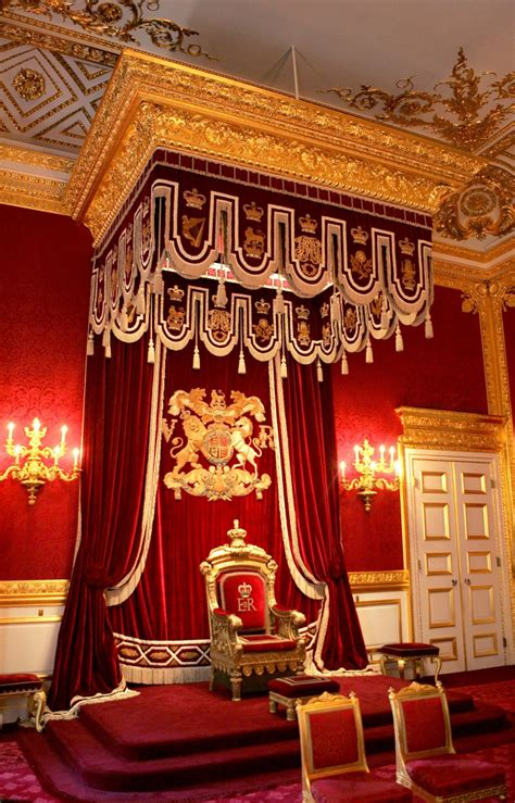 queen  rent  st james palace  london olympic games