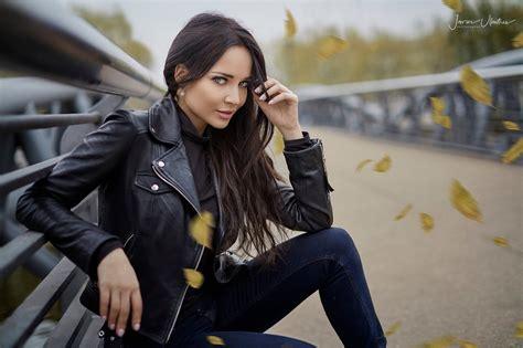 Wallpaper Brunette Women Outdoors Jeans Leather