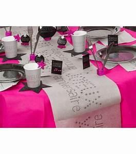Chemin De Table Design : chemin de table anniversaire anniversaire design drag e d 39 amour ~ Teatrodelosmanantiales.com Idées de Décoration