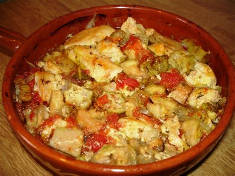 la bonne cuisine ivoirienne kédjénou la soupe de poulet bien épicée à découvrir