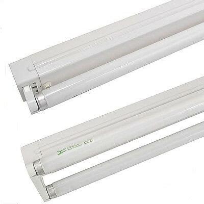 feuchtraumleuchte freistrahlend leuchtstofflampen